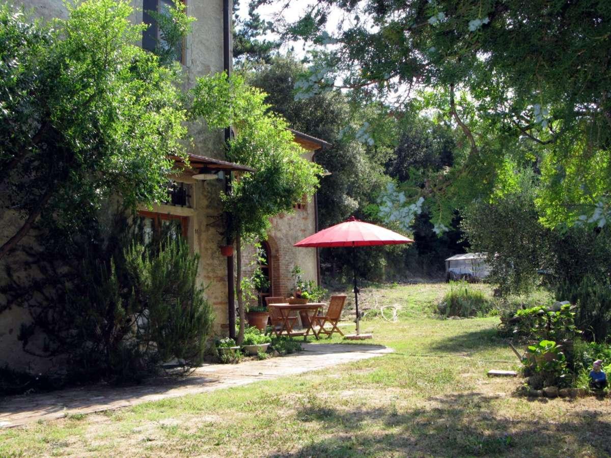 toscana pisa lari stilvolle ferienwohnungen in fantastischer lage nicht weit vom meer. Black Bedroom Furniture Sets. Home Design Ideas