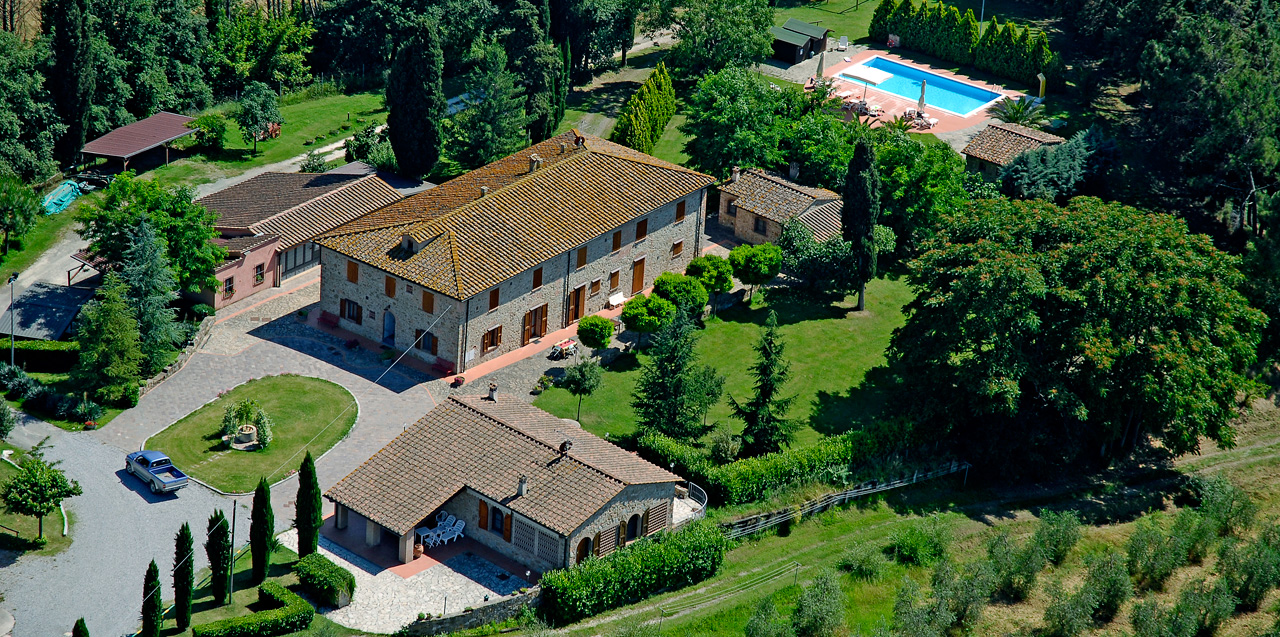 location appartements de vacances, tennis, golf, Toscane